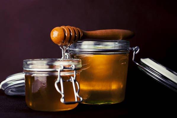Jak poznat a kde koupit kvalitní med